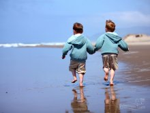 image children_boy_brother_beach_sand_reflection_coast_sea_ocean_surf_walk_shorts_heels_horizon_sky_53900_1680x1050-jpg