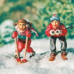 boy_and_girl_skiing