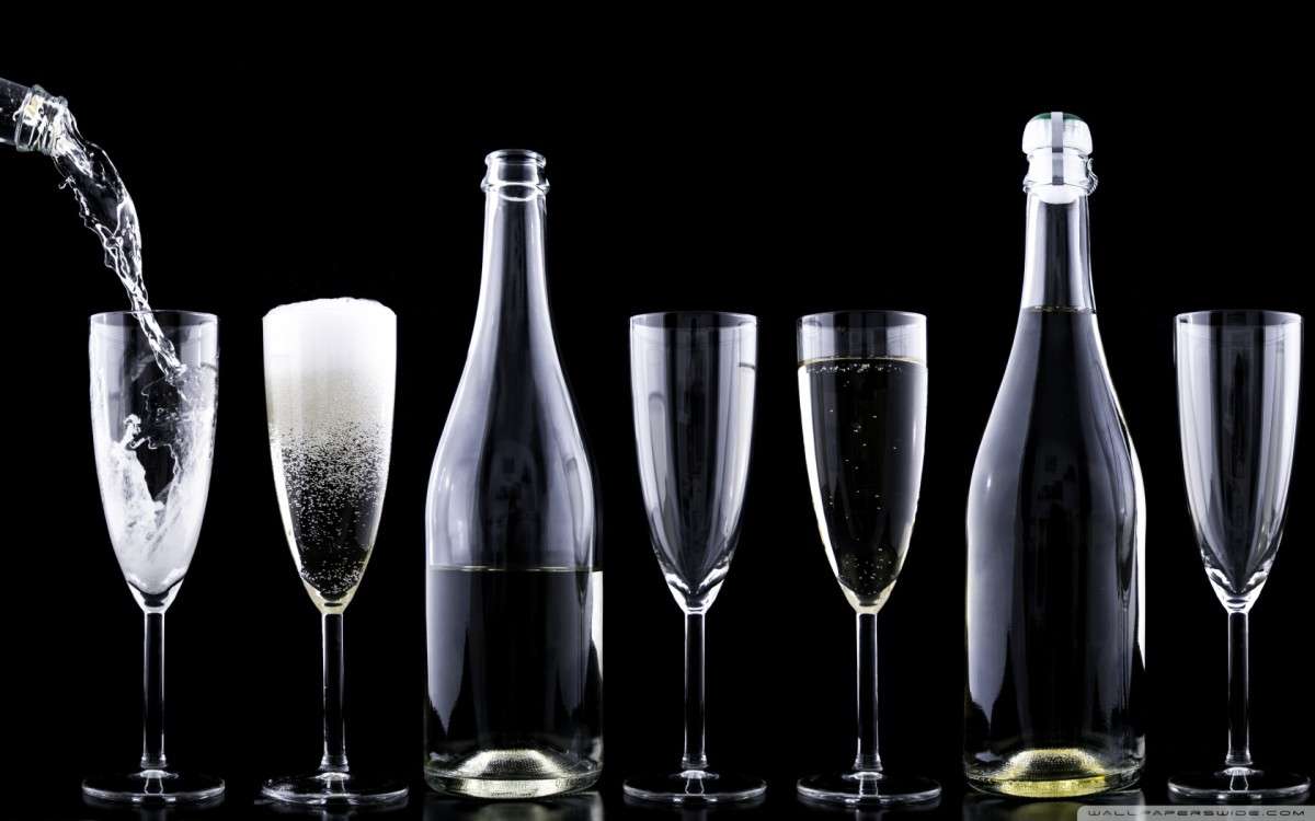new_years_eve_2016_champagne-wallpaper-1680x1050